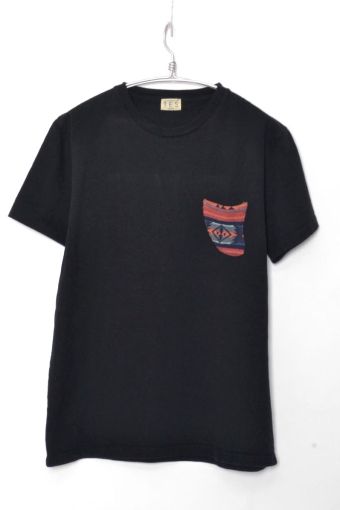 TES NATIVE FIN POCKET TEE