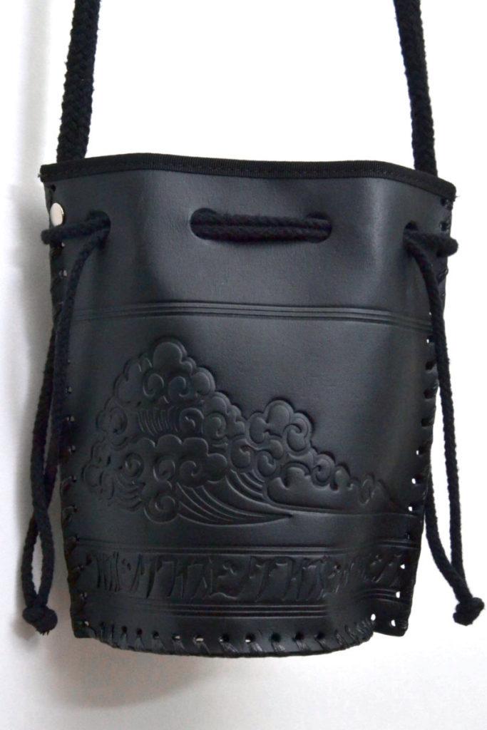 レザースーベニアバッグ 型押しレザー 巾着ショルダーバッグの買取実績画像