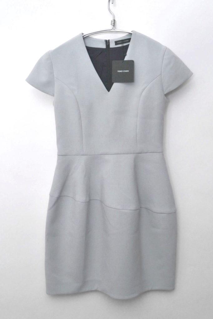 ハーフスリーブVネックドレス