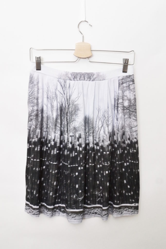 2018AW/レーヨンストレッチ 総柄スカートの買取実績画像
