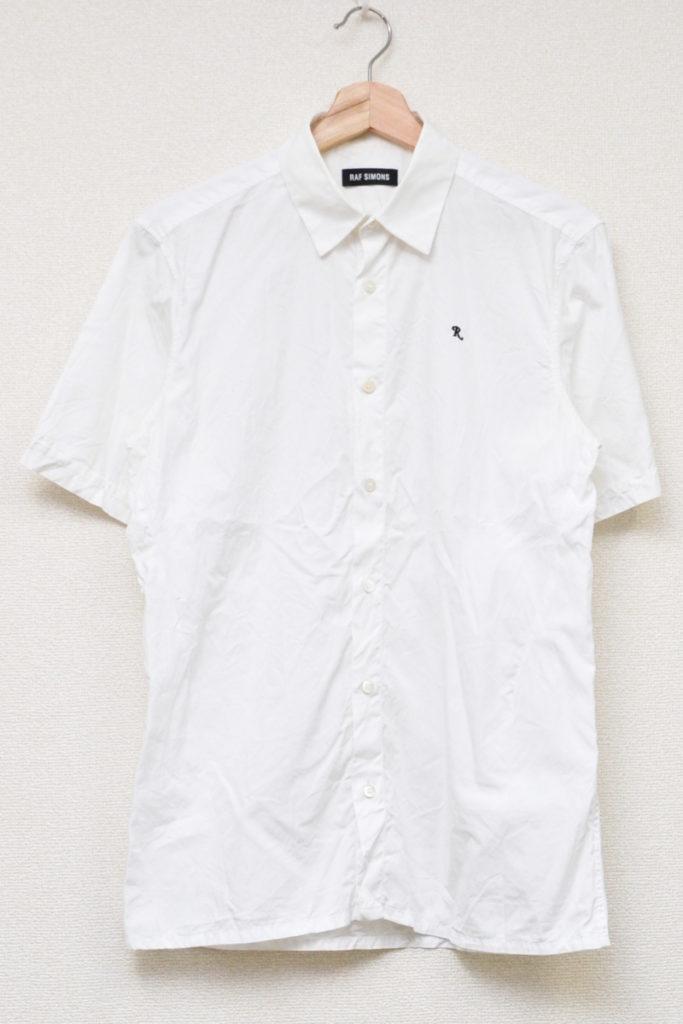 R刺繍 コットンブロード 半袖シャツ