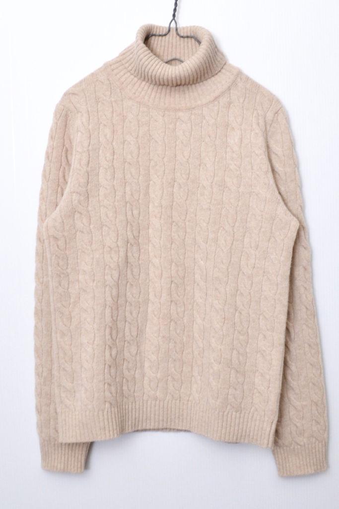 ケーブル編み タートルネックニット セーター