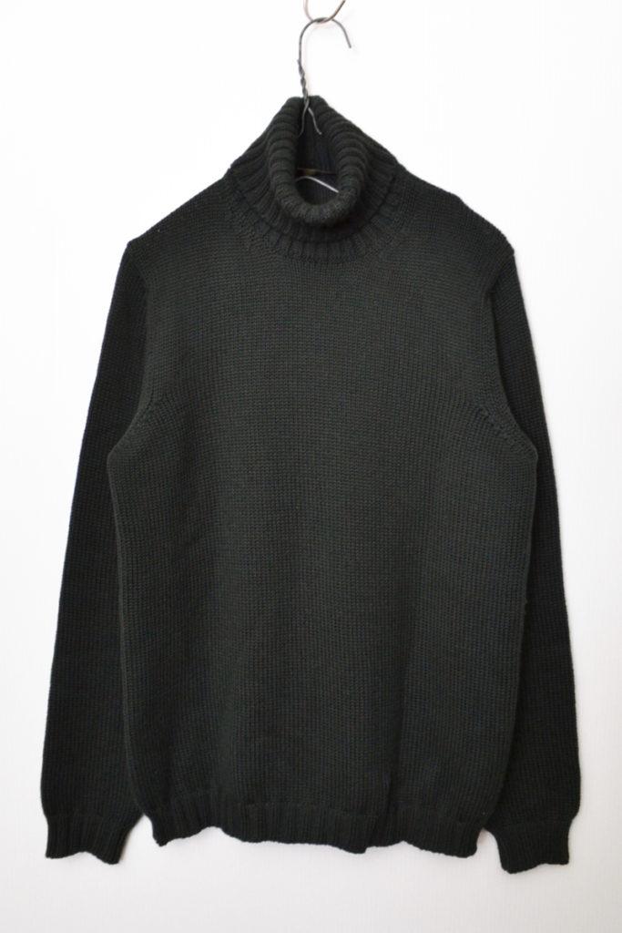 ミドルゲージ タートルネックニット セーター