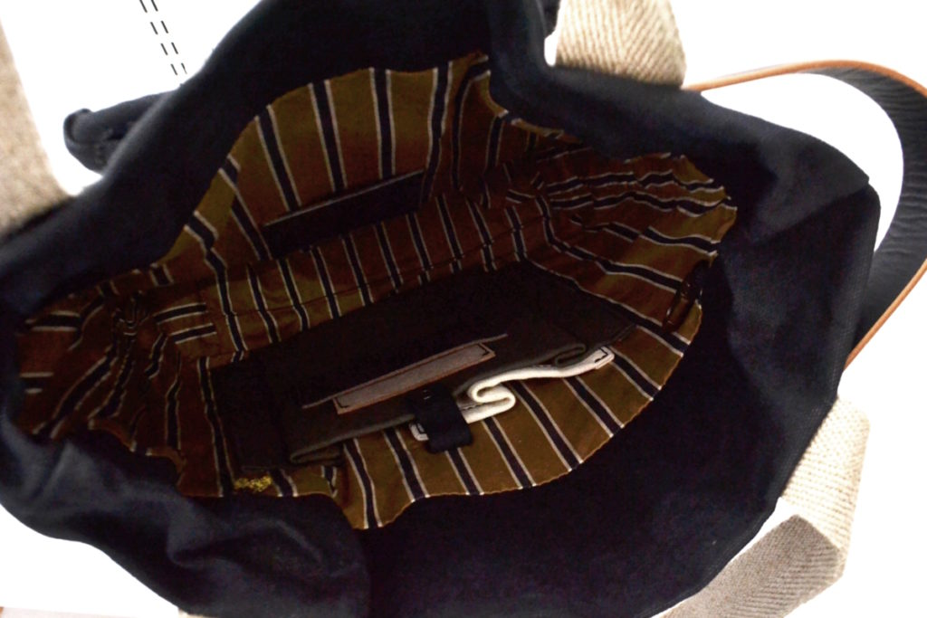籐ポケット付き 防水 キャンバス トート バッグの買取実績画像
